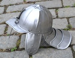 LOBSTER TAIL POT HELMET
