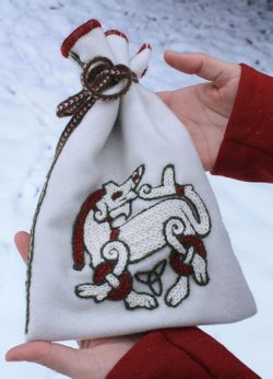 Viking Pouch with a Beast, Ringerike