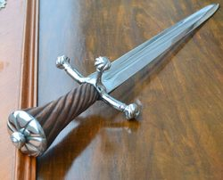 LANDSKNECHT DAGGER WITH TWISTED WOODEN HANDLE
