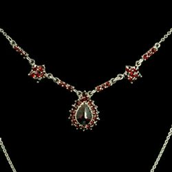 WICK, garnet, Czech jewel, necklace