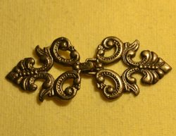 COSTUME HOOK WITH FLORAL DESIGN