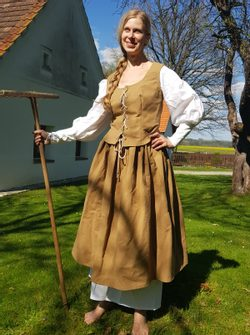 Peasant Girl - historical costume