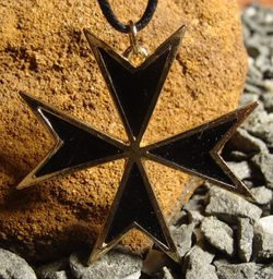 LARGE MALTESE CROSS