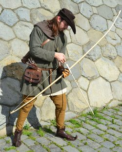 MEDIEVAL ARCHER, costume rental