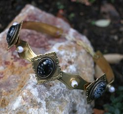 MARIOTA - GOTHIC CROWN with obsidian, 3 stones