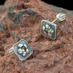 MYRNA, Earrings, Olivine, Silver