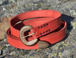 VIGO, medieval leather belt, red