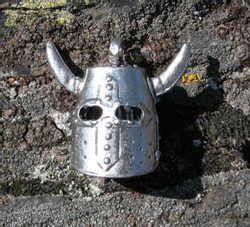 TOURNAMENT HELMET - pendant