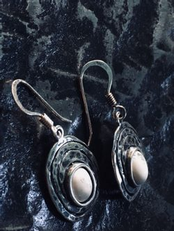 CLAIRE, sterling silver earrings with howlite