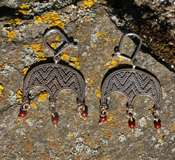 LUDMILA, earrings, bronze, red