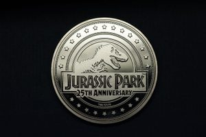 JURASSIC PARK COLLECTABLE COIN 25TH ANNIVERSARY T-REX - JURASSIC PARK{% if kategorie.adresa_nazvy[0] != zbozi.kategorie.nazev %} - LICENSED MERCH - FILMS, GAMES{% endif %}