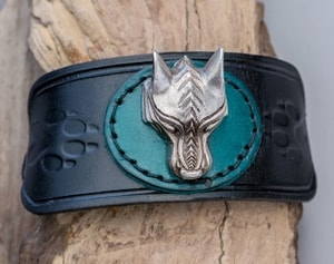 WARG - VIKING WOLF LEATHER BRACELET - WRISTBANDS{% if kategorie.adresa_nazvy[0] != zbozi.kategorie.nazev %} - LEATHER PRODUCTS{% endif %}