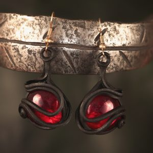 RED GLASS EARRINGS - FANTASY JEWELS{% if kategorie.adresa_nazvy[0] != zbozi.kategorie.nazev %} - JEWELLERY{% endif %}