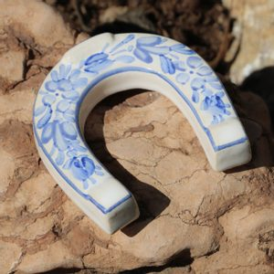 LUCKY HORSESHOE SMALL, HANDPAINTED CERAMICS - TRADITIONAL CZECH CERAMICS{% if kategorie.adresa_nazvy[0] != zbozi.kategorie.nazev %} - CERAMICS, GLASS{% endif %}