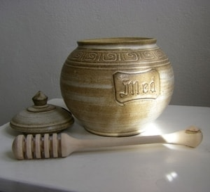 HONEY POT, POTTERY - HISTORICAL CERAMICS{% if kategorie.adresa_nazvy[0] != zbozi.kategorie.nazev %} - CERAMICS, GLASS{% endif %}