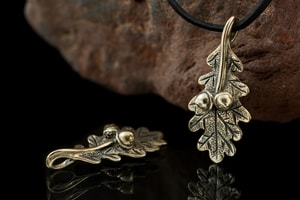OAK LEAF, BRONZE CHARM - PENDANTS, NECKLACES{% if kategorie.adresa_nazvy[0] != zbozi.kategorie.nazev %} - JEWELLERY{% endif %}