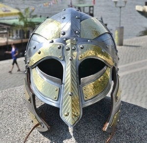 ARNGRIM, VIKING HELMET WITH CHEEK-GUARDS - VIKING AND NORMAN HELMETS{% if kategorie.adresa_nazvy[0] != zbozi.kategorie.nazev %} - ARMOUR HELMETS, SHIELDS{% endif %}