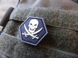 NO FEAR PIRATE HEXAGON, 3D VELCRO PATCH - MILITARY PATCHES{% if kategorie.adresa_nazvy[0] != zbozi.kategorie.nazev %} - OUTDOOR SHOP{% endif %}