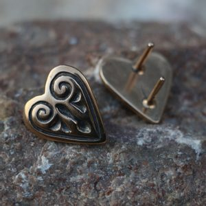 BELT MOUNT - HEART, NOVGOROD, BRONZE - BUCKLES, BELT FITTINGS{% if kategorie.adresa_nazvy[0] != zbozi.kategorie.nazev %} - JEWELLERY{% endif %}