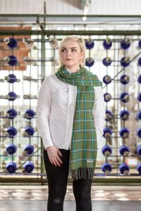 FOREST CHECK SCARF, FOXFORD, IRELAND - WOOLEN BLANKETS AND SCARVES, IRELAND{% if kategorie.adresa_nazvy[0] != zbozi.kategorie.nazev %} - WOOLEN PRODUCTS, IRELAND{% endif %}