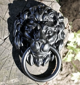 LION, MEDIEVAL DOOR KNOCKER - ANTLER FURNITURE, LAMPS{% if kategorie.adresa_nazvy[0] != zbozi.kategorie.nazev %} - PAGAN DECORATIONS{% endif %}