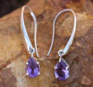 SINOPE EARRINGS, SILVER AND AMETHYST - EARRINGS WITH GEMSTONES, SILVER{% if kategorie.adresa_nazvy[0] != zbozi.kategorie.nazev %} - JEWELLERY{% endif %}