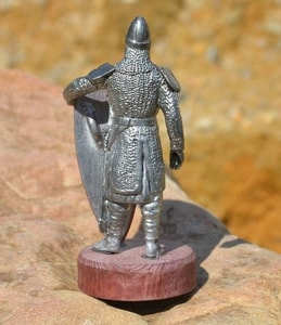 NORMAN WARRIOR WITH A PAINTED SHIELD. TIN FIGURE - PEWTER FIGURES{% if kategorie.adresa_nazvy[0] != zbozi.kategorie.nazev %} - TIN FIGURES, GOBLETS{% endif %}