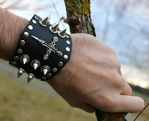 ROCKER, LEATHER BRACELET XXII - WRISTBANDS{% if kategorie.adresa_nazvy[0] != zbozi.kategorie.nazev %} - LEATHER PRODUCTS{% endif %}