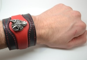 FENRIR - VIKING WOLF LEATHER BRACELET - WRISTBANDS{% if kategorie.adresa_nazvy[0] != zbozi.kategorie.nazev %} - LEATHER PRODUCTS{% endif %}