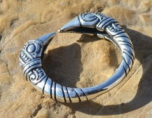 VIKING RAVEN HEAD RING, SILVER 925 - RINGS - HISTORICAL JEWELRY{% if kategorie.adresa_nazvy[0] != zbozi.kategorie.nazev %} - JEWELLERY{% endif %}