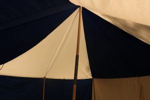 LARGE MEDIEVAL TENT, FOR RENTAL - MEDIEVAL TENTS HIRE{% if kategorie.adresa_nazvy[0] != zbozi.kategorie.nazev %} - HISTORICAL COSTUME RENTAL - FILM PRODUCTION{% endif %}
