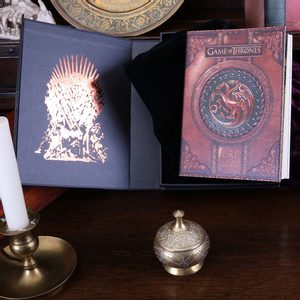 GAME OF THRONES FIRE AND BLOOD SMALL JOURNAL - GAME OF THRONES{% if kategorie.adresa_nazvy[0] != zbozi.kategorie.nazev %} - LICENSED MERCH - FILMS, GAMES{% endif %}