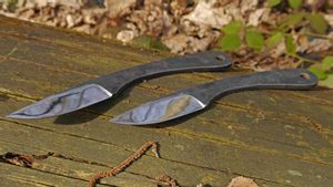 ONDA THROWING KNIVES, SET OF 3 - SHARP BLADES - THROWING KNIVES{% if kategorie.adresa_nazvy[0] != zbozi.kategorie.nazev %} - ARMURERIE: LES ARMES{% endif %}