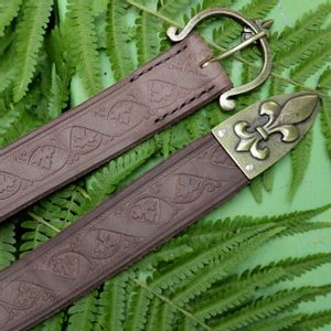 FLEUR BROWN LEATHER BELT - BELTS{% if kategorie.adresa_nazvy[0] != zbozi.kategorie.nazev %} - LEATHER PRODUCTS{% endif %}