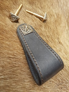 CELTICA, LEATHER FURNITURE HANDLE, DARK BROWN - KEYCHAINS, WHIPS, OTHER{% if kategorie.adresa_nazvy[0] != zbozi.kategorie.nazev %} - LEATHER PRODUCTS{% endif %}