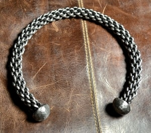 HAND FORGED AND BRAIDED STEEL TORC - FORGED JEWELRY, TORCS, BRACELETS{% if kategorie.adresa_nazvy[0] != zbozi.kategorie.nazev %} - JEWELLERY{% endif %}