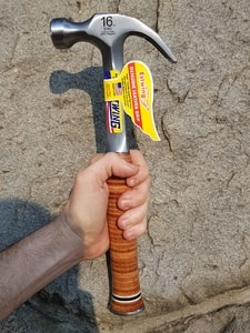 CLAW HAMMER LEATHER GRIP ESTWING USA - BLACKSMITH TOOLS, HAMMERS{% if kategorie.adresa_nazvy[0] != zbozi.kategorie.nazev %} - CRAFT, FORGING TOOLS & SUPPLIES{% endif %}