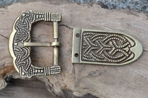 VIKING BUCKLE AND STRAP END, GOKSTAD, NORWAY, ZINC, REPLICA - BELT ACCESSORIES{% if kategorie.adresa_nazvy[0] != zbozi.kategorie.nazev %} - LEATHER PRODUCTS{% endif %}