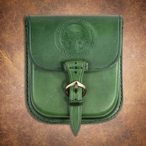ALBA, SCOTTISH THISTLE, LEATHER BELT BAG - GREEN - BAGS, SPORRANS{% if kategorie.adresa_nazvy[0] != zbozi.kategorie.nazev %} - LEATHER PRODUCTS{% endif %}
