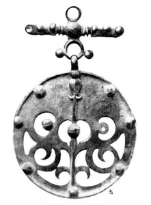 CELTIC LA TENE DRAGON OR BOAR BRONZE PENDANT, LOCALITY OF SKRYJE, CENTRAL BOHEMIA - BRONZE HISTORICAL JEWELS{% if kategorie.adresa_nazvy[0] != zbozi.kategorie.nazev %} - JEWELLERY{% endif %}