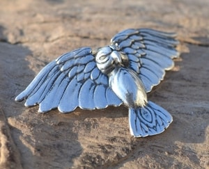 ATHENE NOCTUA, STERLING SILVER LITTLE OWL PENDANT, SMALL - MYSTICA SILVER COLLECTION - PENDANTS{% if kategorie.adresa_nazvy[0] != zbozi.kategorie.nazev %} - JEWELLERY{% endif %}
