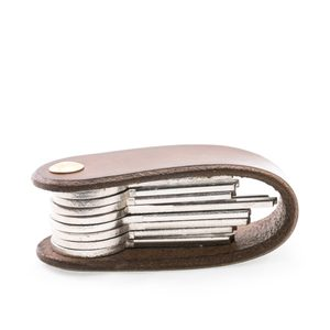 MORLEY, LEATHER KEYCHAIN BROWN - WALLETS{% if kategorie.adresa_nazvy[0] != zbozi.kategorie.nazev %} - LEATHER PRODUCTS{% endif %}