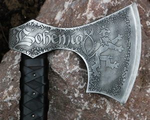 BOHEMIA - AXE, ETCHED WITH LEATHER - AXES, POLEWEAPONS{% if kategorie.adresa_nazvy[0] != zbozi.kategorie.nazev %} - WEAPONS - SWORDS, AXES, KNIVES{% endif %}