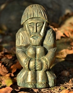 DOMOVOI, SLAVIC GUARDIAN OF YOUR HOME, STATUE, GREEN-GOLD - SLAVIC STATUES, BOHEMIA, MORAVIA{% if kategorie.adresa_nazvy[0] != zbozi.kategorie.nazev %} - SCULPTURES, GARDEN DECOR{% endif %}