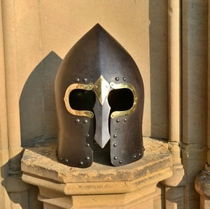 LOUGH HENNEY IRISH GALLOWGLASS HELMET - OTHER HELMETS{% if kategorie.adresa_nazvy[0] != zbozi.kategorie.nazev %} - ARMOUR HELMETS, SHIELDS{% endif %}