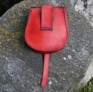 VENDEL, VIKING LEATHER BAG, RED - BAGS, SPORRANS{% if kategorie.adresa_nazvy[0] != zbozi.kategorie.nazev %} - LEATHER PRODUCTS{% endif %}