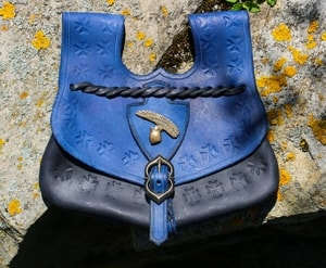 KING OTAKAR, MEDIEVAL POUCH 14TH CENTURY, BLUE - BAGS, SPORRANS{% if kategorie.adresa_nazvy[0] != zbozi.kategorie.nazev %} - LEATHER PRODUCTS{% endif %}