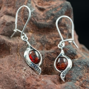 JARA, AMBER, EARRINGS, STERLING SILVER - AMBER JEWELRY{% if kategorie.adresa_nazvy[0] != zbozi.kategorie.nazev %} - JEWELLERY{% endif %}