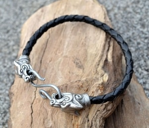 WOLF FENRIR, LEATHER BANGLE - VIKING PENDANTS{% if kategorie.adresa_nazvy[0] != zbozi.kategorie.nazev %} - JEWELLERY{% endif %}
