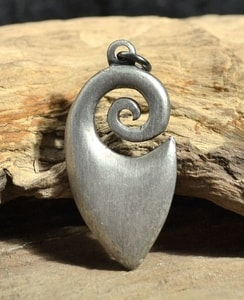 MAORI PENDANT, SPIRAL, TIN NECKLACE - MIDDLE AGES, OTHER PENDANTS{% if kategorie.adresa_nazvy[0] != zbozi.kategorie.nazev %} - JEWELLERY{% endif %}